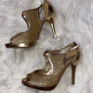 🛍FREE when added to bundle Sparkly Heels